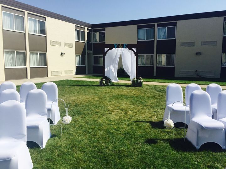 Tmx 1530826341 59112d8359b37827 1530826336 213942337b132ff3 1530826327819 6 Ceremony Outside 1 Mandan, ND wedding venue