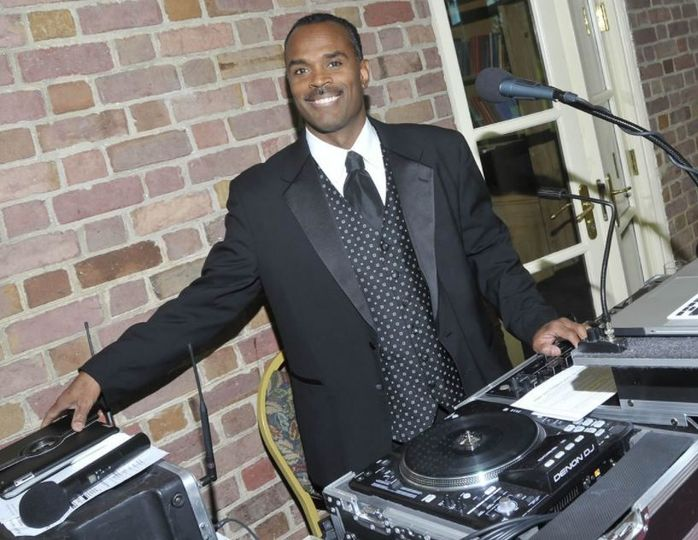 Master Productions Disc Jockey and Lighting Service