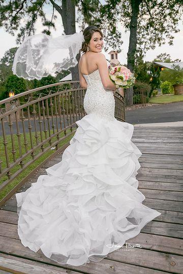 Houston Texas award-winning wedding photographer Juan Huerta Photography offers the most beautiful...