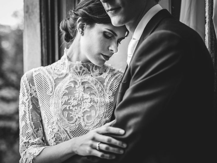 Tmx 1517865607 5685764a18b400de 1517865605 F0d9248939f0c084 1517865592812 5 FOTO DI COPPIA 3 Rome, Italy wedding videography
