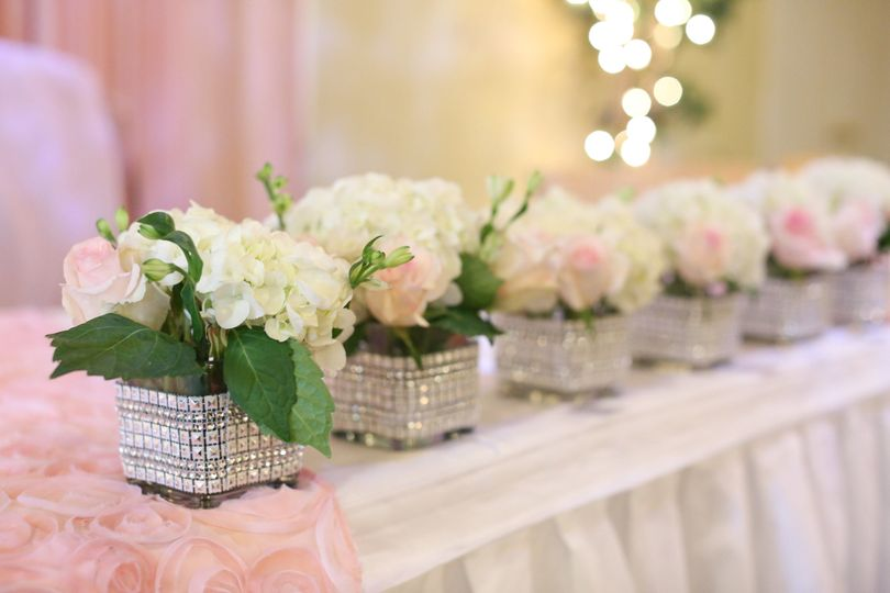 Floral centerpieces | Captured by Coriss Photography