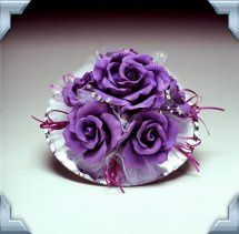 purplecaketoporcenterpiece