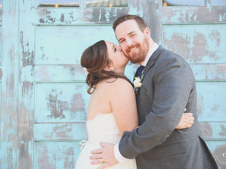 Tmx 1517722880 5b72304399de2580 1517722877 7c9ec9b4edc79855 1517722870235 2 010 Austin, TX wedding photography