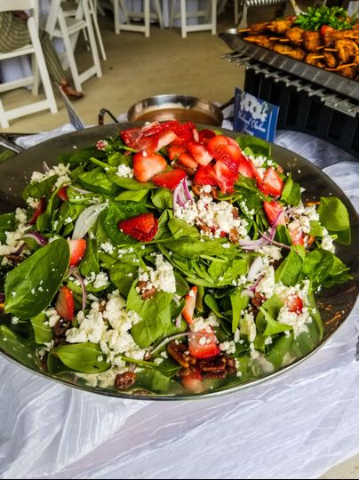 Spinach strawberry pecan salad