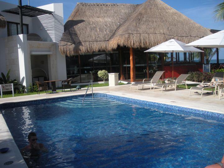 Azul Beach Pool