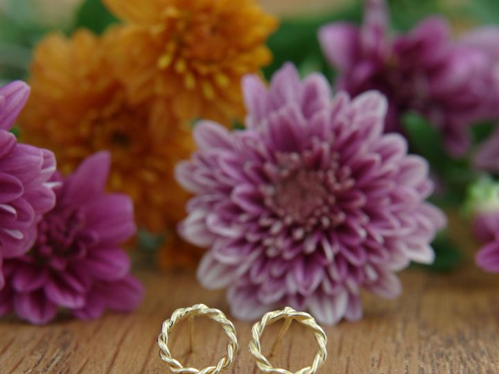 Tmx E V831 14k Yellow Gold Earring Posts Twisted Open Circle 03 51 502824 1570134740 Lancaster, PA wedding jewelry