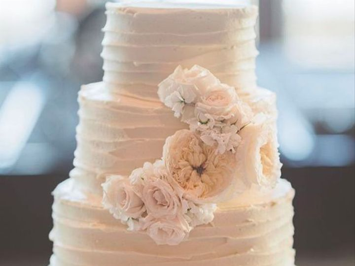 Tmx 1531423808 A8b9c12b4527b870 1531423807 9bfc93e419b5317c 1531423806954 4 Screen Shot 2018 0 Madison wedding cake