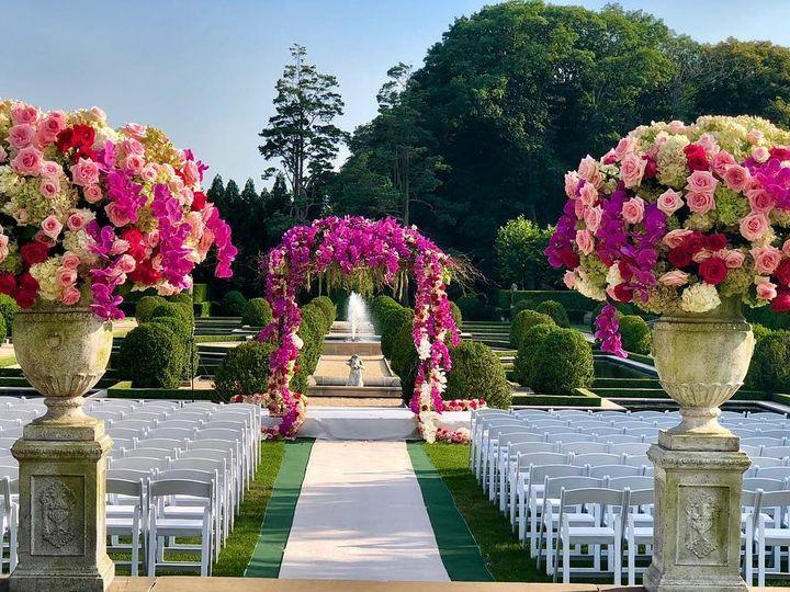 Tmx 37249019 1346573258820956 1760502121058271232 O 51 13824 New Hyde Park, New York wedding florist