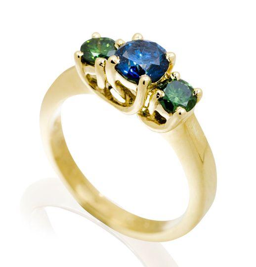 green blue diamond ring 800