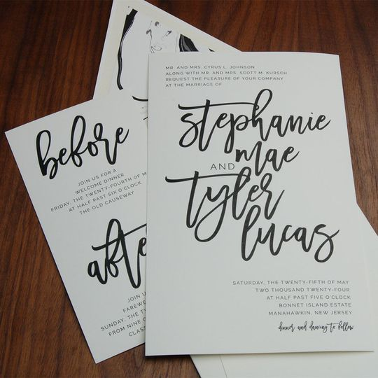 A big WOW - fabulous NEW font, hand drawn look, big and BOLD - a real eye-catcher!
