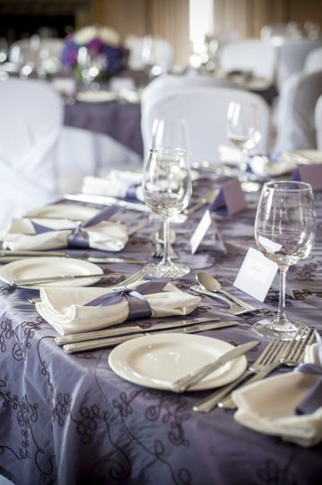 Round table setup | Carol Harrold Photography