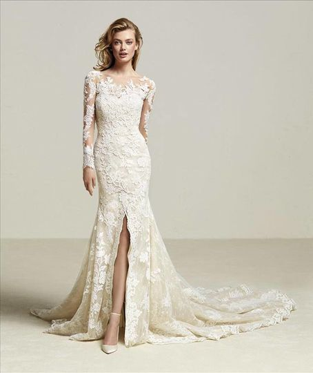 Trumpet style dress with lace detailing