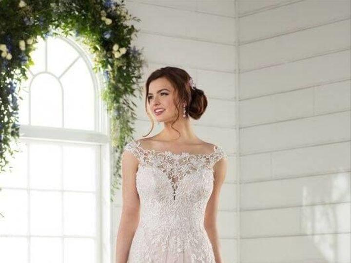 Tmx 1525980560 Edbb3828b5e1135d 1525980559 4ff4ab8c05cc6807 1525980556552 9 0009 Asheville, North Carolina wedding dress