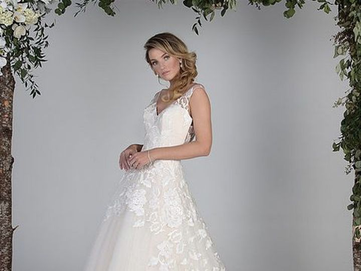 Tmx 1525980757 6d5451284a181794 1525980756 395e080df841d41e 1525980751490 3 0003 Asheville, North Carolina wedding dress