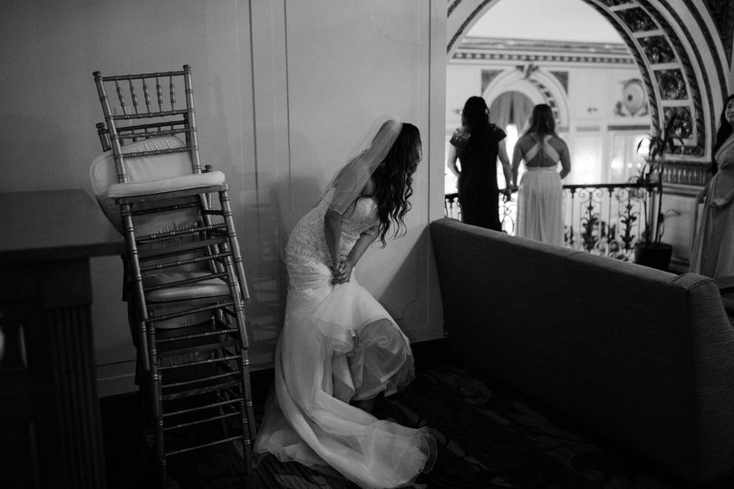 Lydia Charles Photography - Getting ready