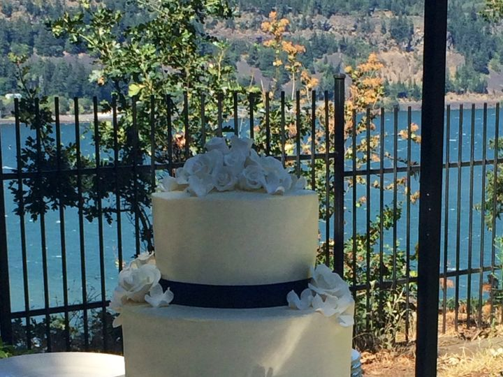 Tmx 1501970704659 2016 07 31 14.45.10 Mount Hood Parkdale wedding cake