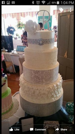 wedding cake chicago il delicate creations custom cakes amp cupcakes wedding cake 22191