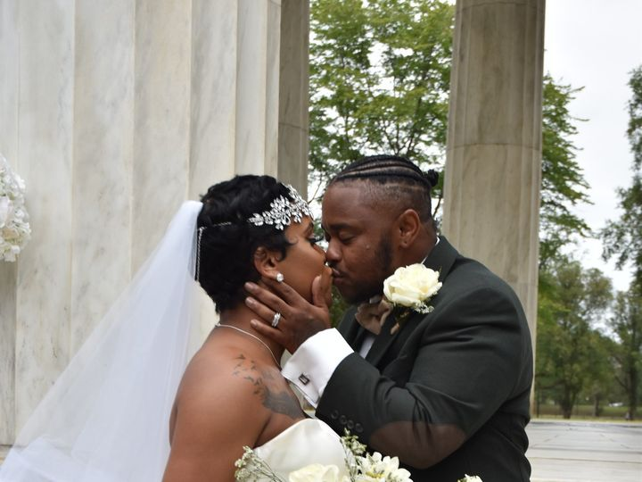 Tmx Wedding Kiss 51 56924 158026266833381 Baltimore, Maryland wedding florist