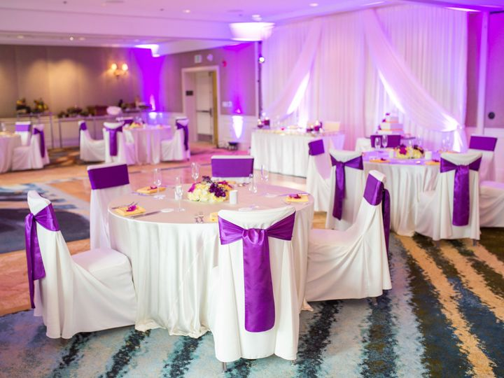 Tmx 1526664910 9b6565b4bb543594 1526664908 10076c17fc8c0be2 1526664894988 4 Indoor Reception Honolulu, HI wedding planner