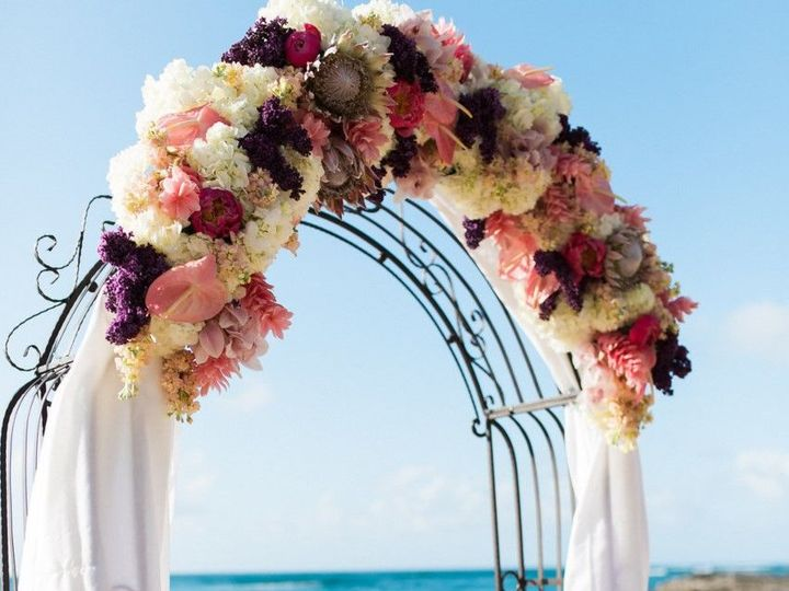 Tmx 1526669965 47f21f48e2e43a46 1526669964 560c46590915c292 1526669964970 7 Arch Flowers Honolulu, HI wedding planner