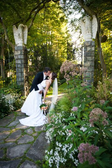bride and groom in gardens philly pa