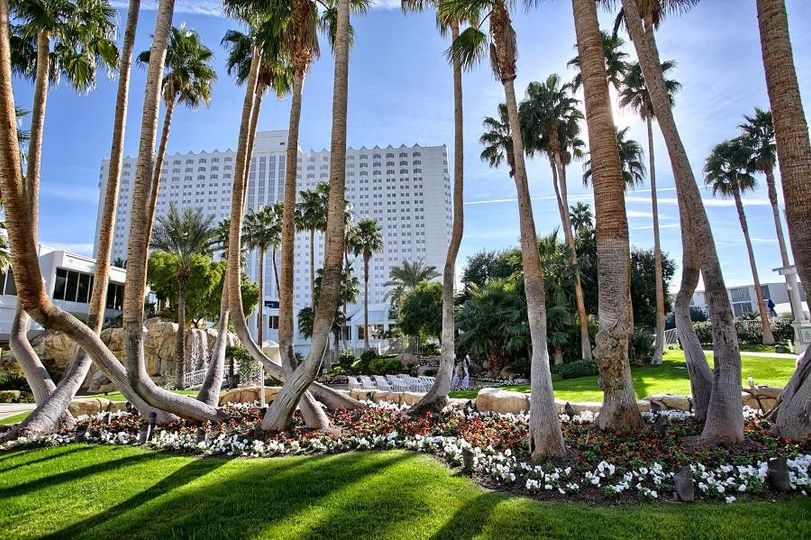 800x800 1426719890269 tropicana las vegas wedding island courtyard 1
