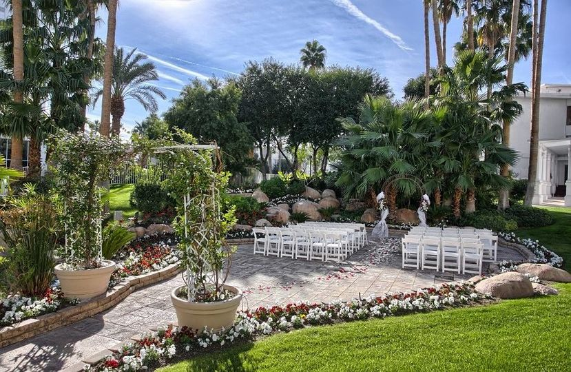 800x800 1426719894964 tropicana las vegas wedding island courtyard 2