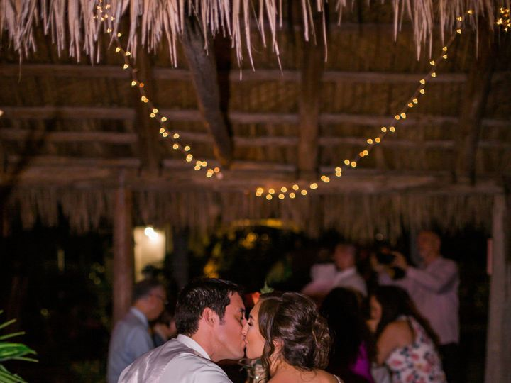 Tmx Carli James Sarasota Wedding Photography Mote Marine Wedding Preview Photos Emily Co Photography 154 Preview 51 80034 1556645834 Sarasota wedding catering