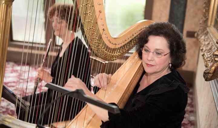 Laura Byrne Harpist