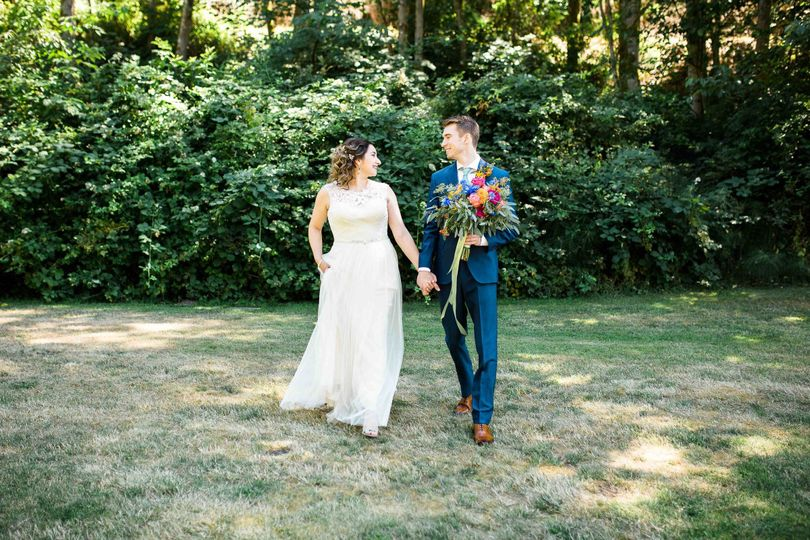 seattle wedding photographer bride groom woodsy