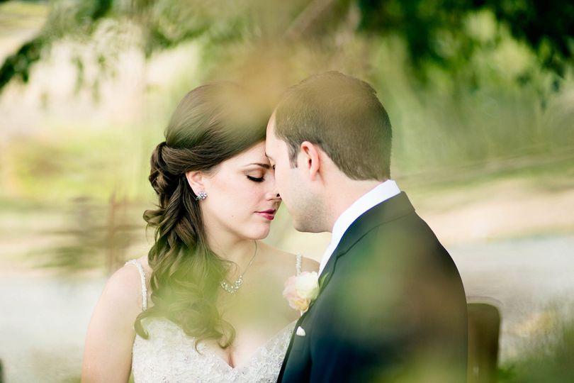 hidden meadows first look snohomish wedding pho