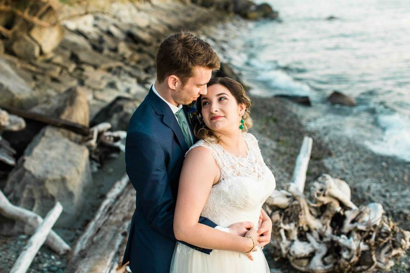 seattle wedding photographer bride groom waterfr