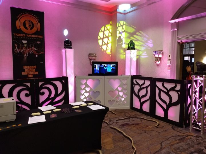 Tmx Todd Moffre Dj And Photo Booth Wedding Expo 2 51 693034 157867513055144 Schenectady, NY wedding dj