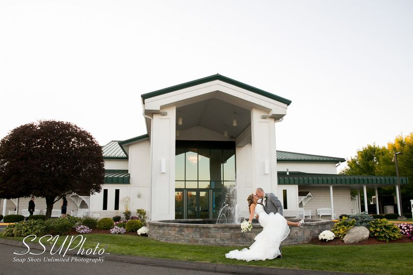Maneeleys Banquet Amp Catering And The Lodge At Maneeley S Venue South Windsor Ct Weddingwire