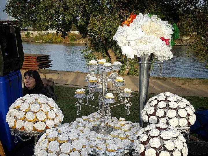 Tmx 1517212025 D4d9e98174481ea3 1517212024 2747291ae66c90ae 1517212017974 2 14713025 102095265 Sacramento wedding cake