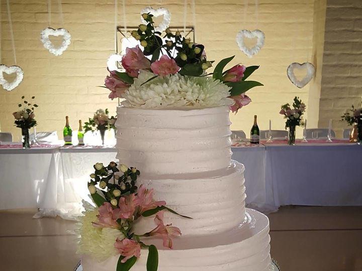 Tmx 1517212155 795ced2f9787a680 1517212153 9c0e5a1e594787db 1517212150224 5 13490612 102085082 Sacramento wedding cake