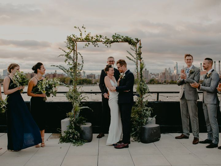 Tmx 1515189307 B843dd8ef9a147d4 1515189302 Ec3783257e25d7c0 1515175416517 1 The W Loft Brookly Brooklyn, NY wedding florist
