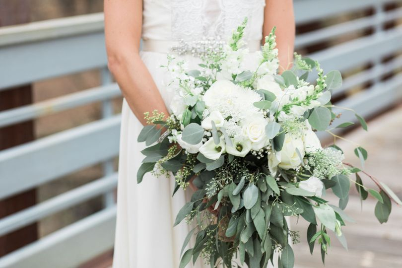 White bridal bouquet | Photo by Kirsten Barbara Photography
