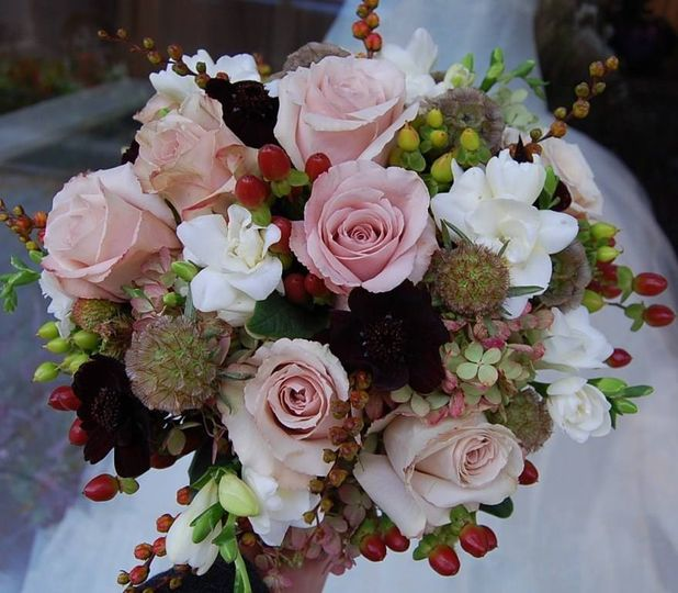 flowers plus wedding flowers north carolina charlotte asheville and surrounding areas. Black Bedroom Furniture Sets. Home Design Ideas