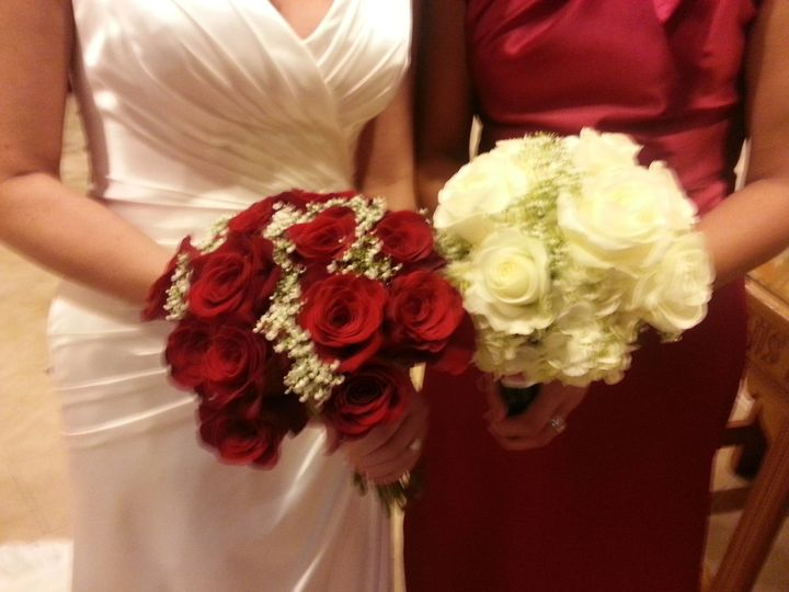 Tmx 1390390678627 Red And White Rose Bouquet Charlotte wedding florist