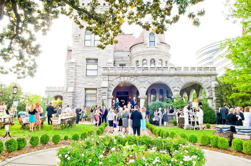 800x800 1432131046477 carla gates photography  exterior reception w peop