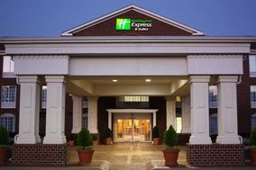 Holiday Inn Express & Suites Warrenton