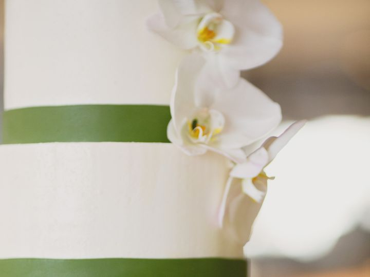 Tmx 1436227565390 Classic.orchid Seattle wedding cake
