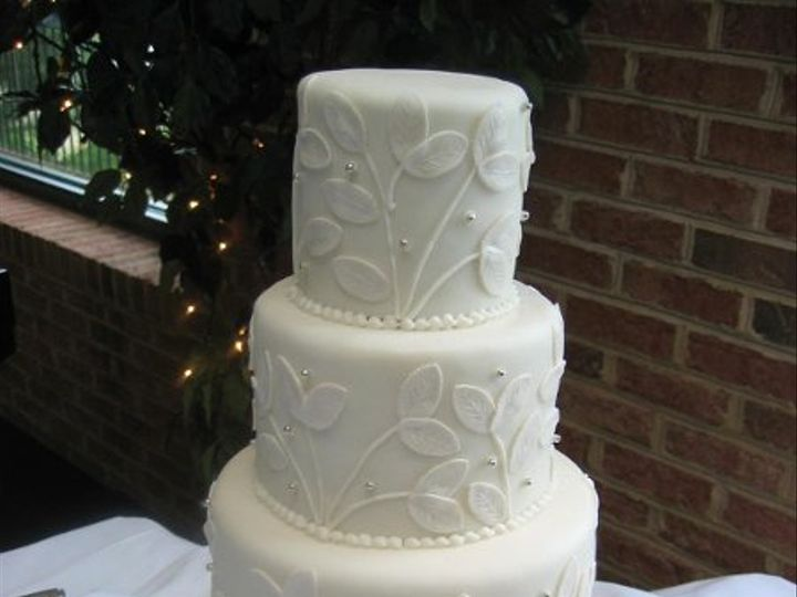 Tmx 1249691353614 LeafCake041A Warrenton, VA wedding cake