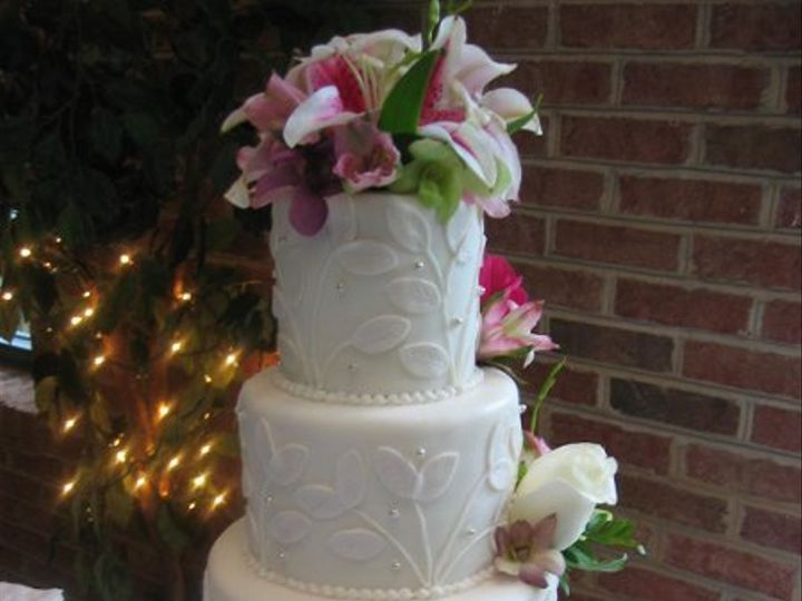Tmx 1249693919458 LeafCake043 Warrenton, VA wedding cake