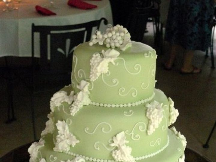 Tmx 1277181756341 P102041650B Warrenton, VA wedding cake