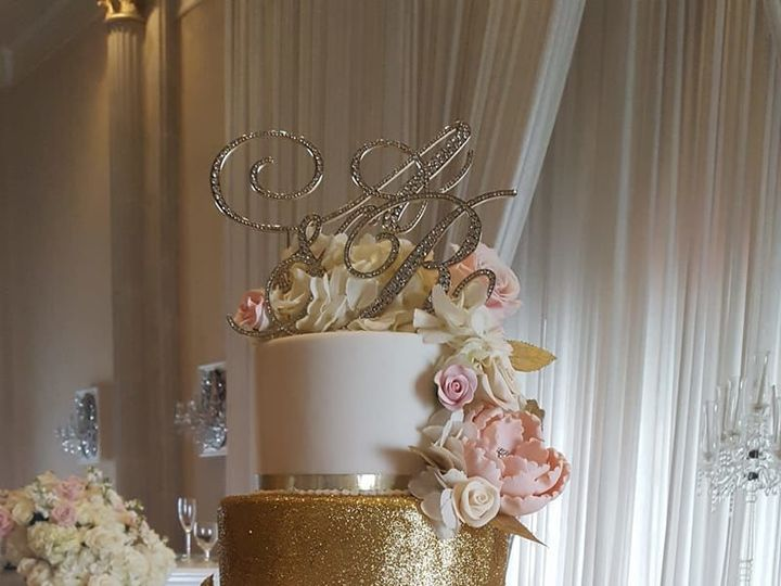 Tmx 1526511654 E644cc30b2bab8fc 1526511653 4c2f43daf576faf0 1526511649828 1 Gold Blush Wedding Warrenton, VA wedding cake