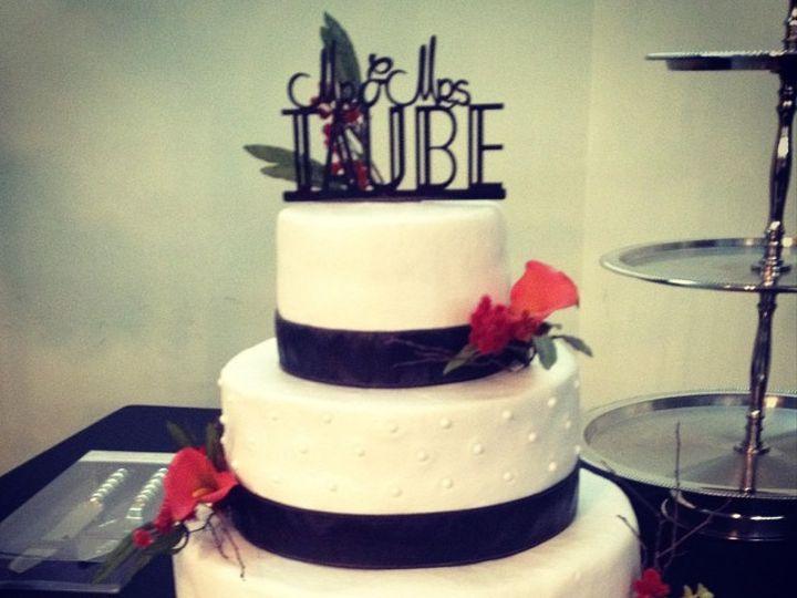 Tmx 1468960314213 1182363104d2515a0567bd0847357851 Odessa wedding cake