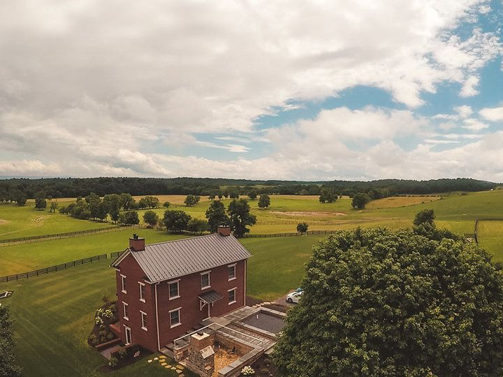 Tmx 1530666994 26593dee502d427c 1530666993 5c2566ac0827cf47 1530667001238 6 Drone 6 Past 2 Winchester, VA wedding venue