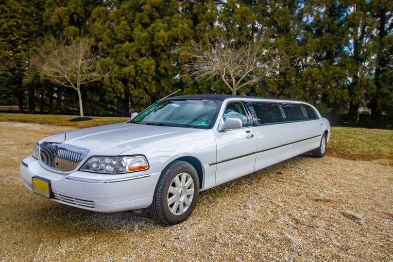 8 seat stretch limousine